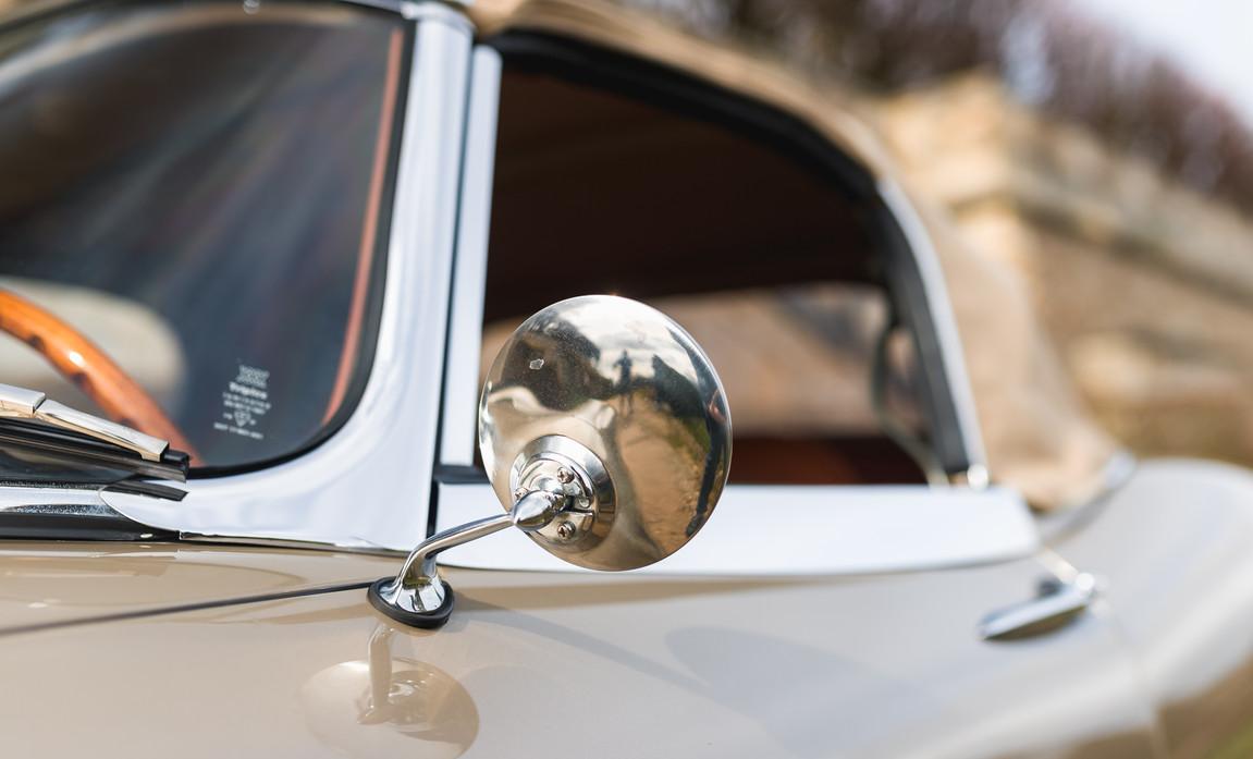 Jaguar Type-E Serie I Cabriolet (35).jpg