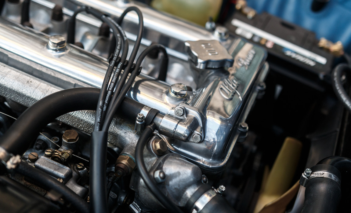 Alfa Romeo 2000 moteur (6).jpg