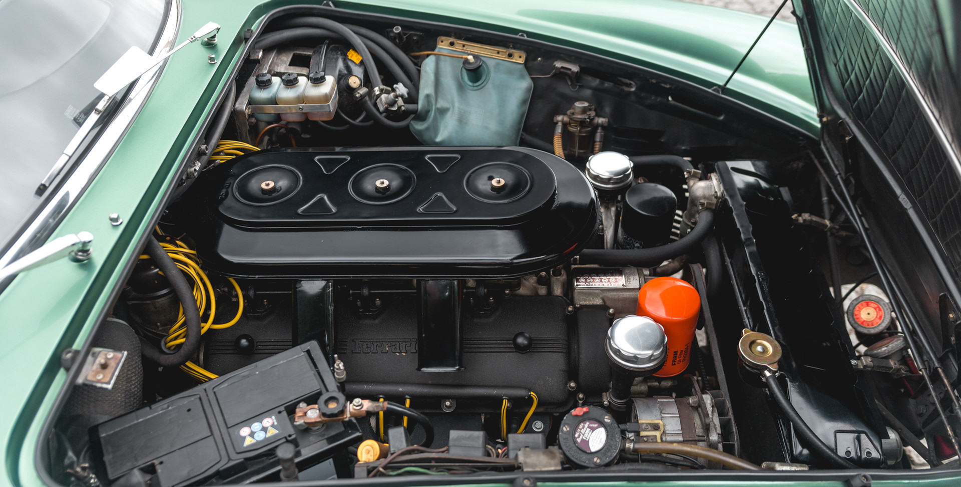 Ferrari 275 GTS moteur (2).jpg
