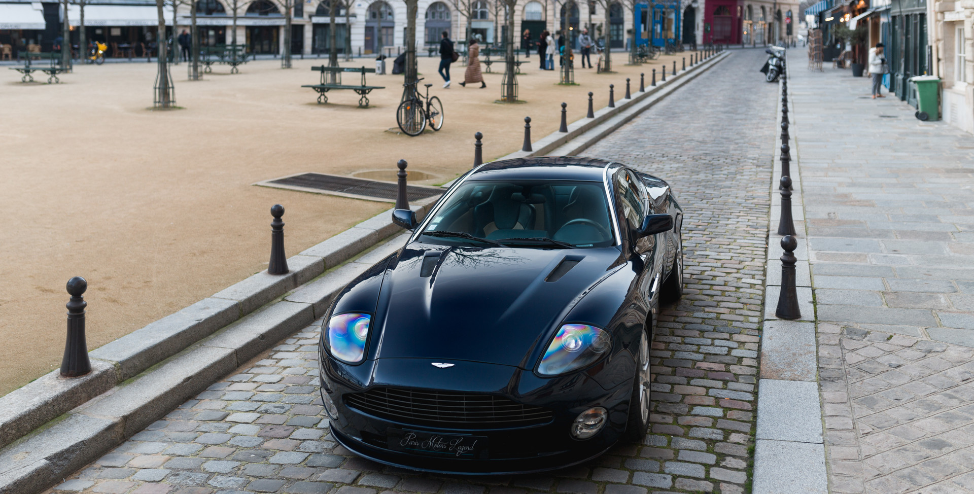 Aston Martin Vanquish S99.jpg