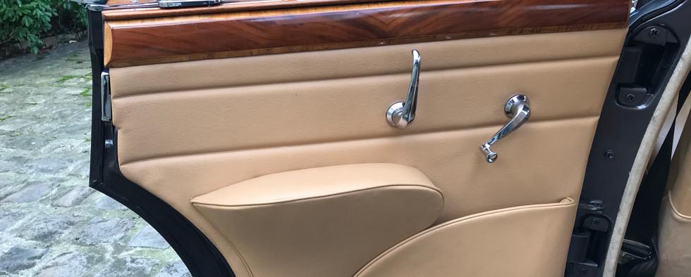 1965 Jaguar MK2 3.4L14.jpeg