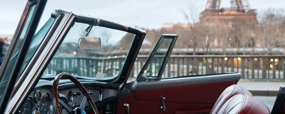 1961 Aston Martin DB4 Cabriolet 67.jpg