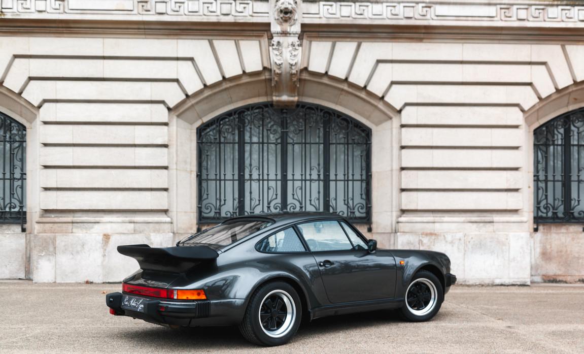 1986 Porsche 930 3.3 Turbo56.jpg