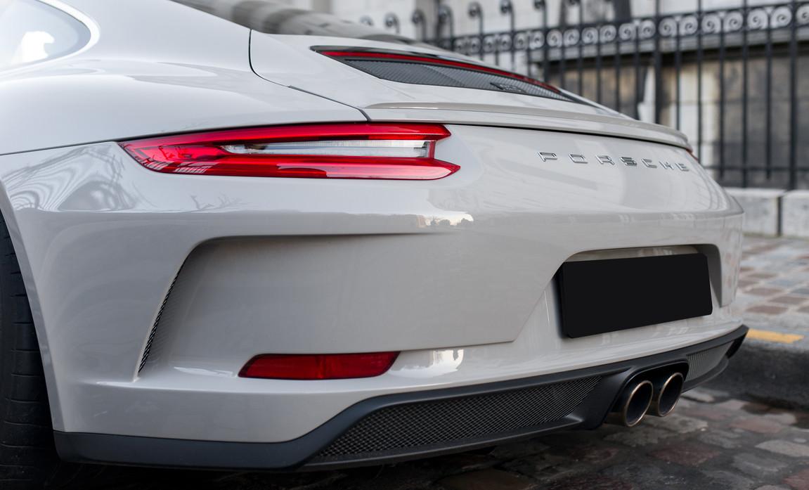 Porsche 911 GT3 Touring (39).jpg