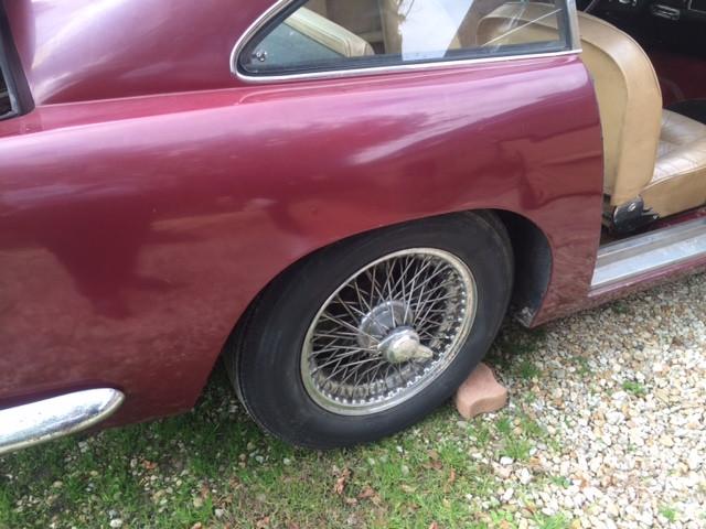 Aston Martin DB4 Serie 2 Bdx22.jpg