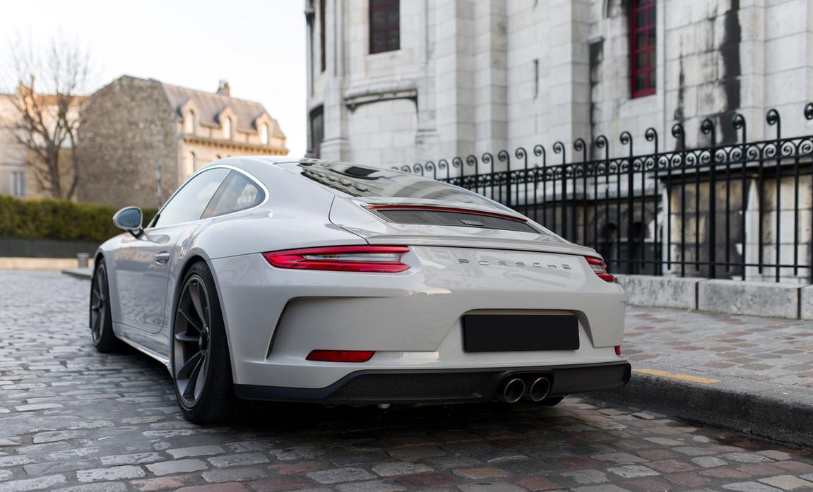 Porsche 911 GT3 Touring (19).jpg
