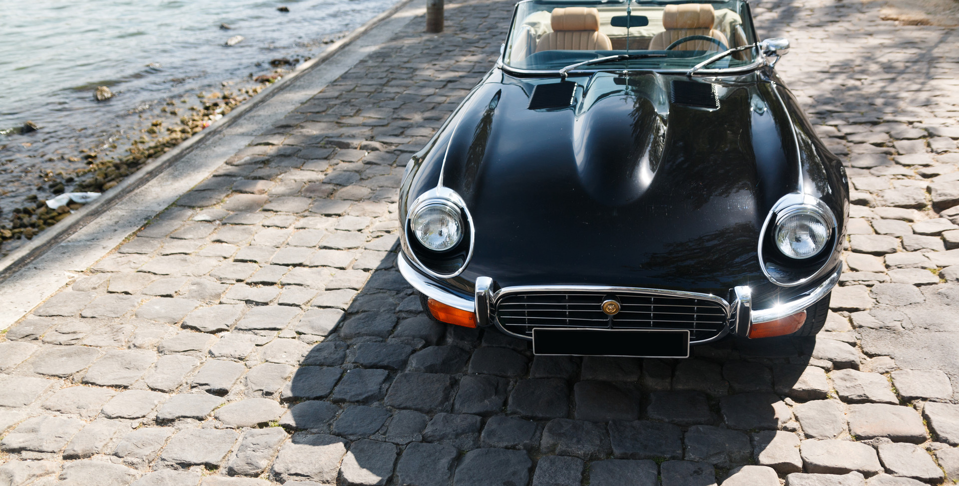 Jaguar Type E avant (17).jpg