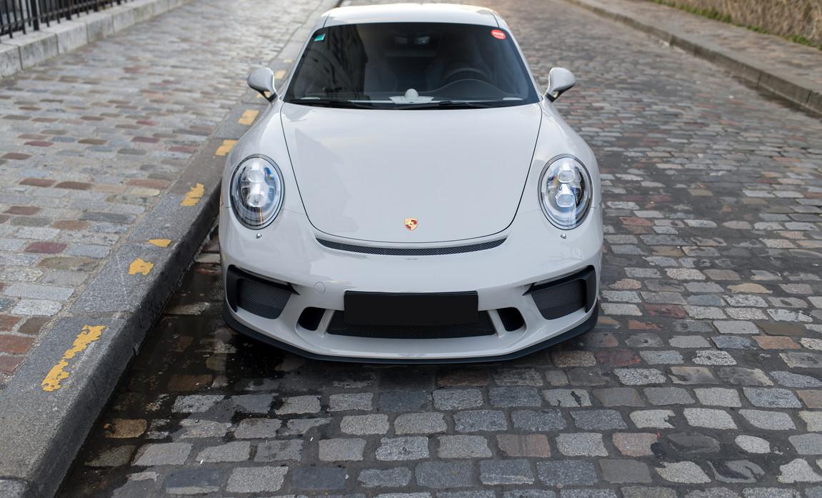 Porsche 911 GT3 Touring (13).jpg