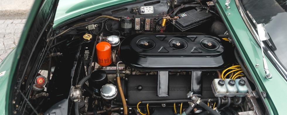 Ferrari 275 GTS moteur (3).jpg