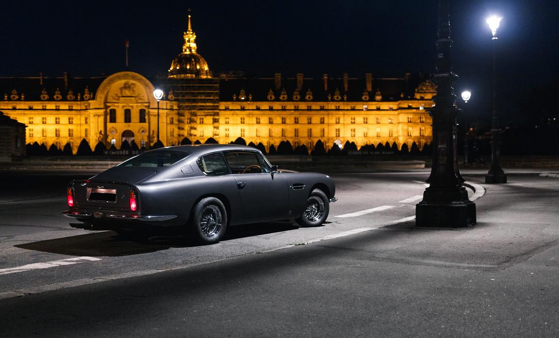 Aston Martin DB6 (9).JPG