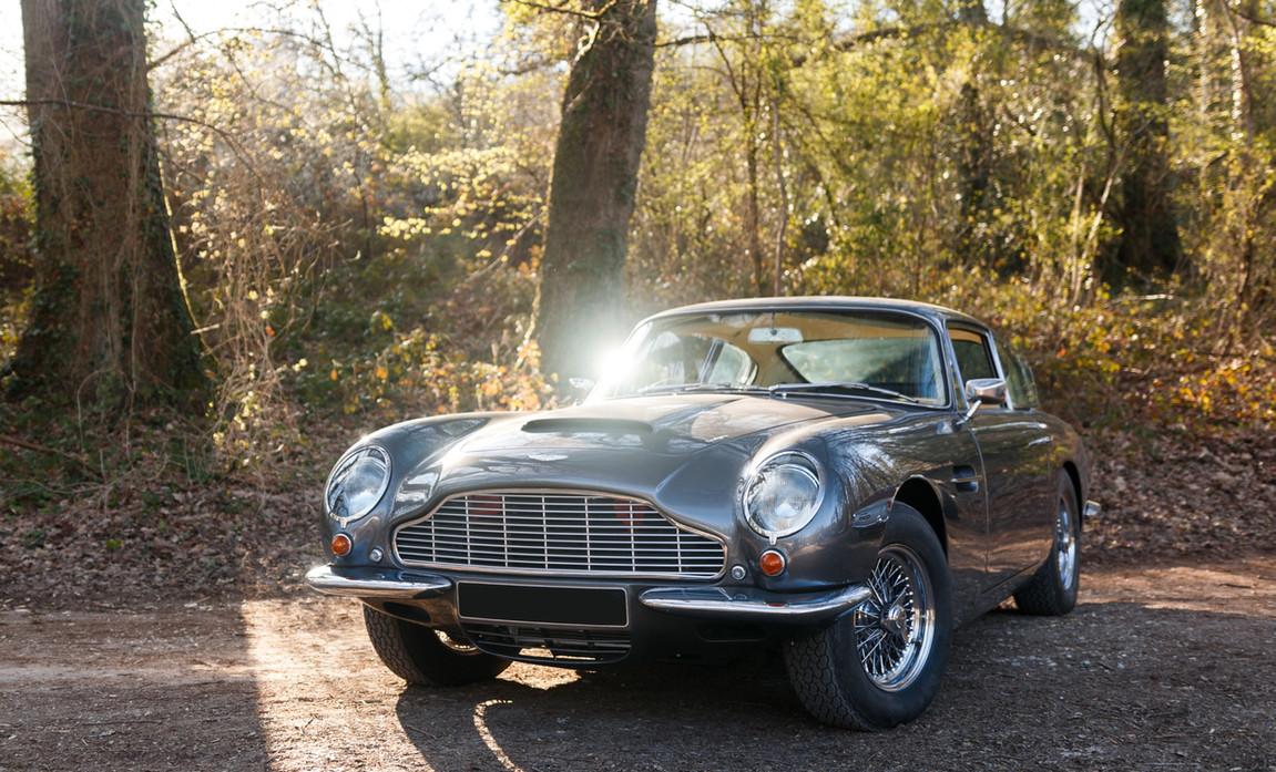 Aston Martin (92)_modifié.jpg