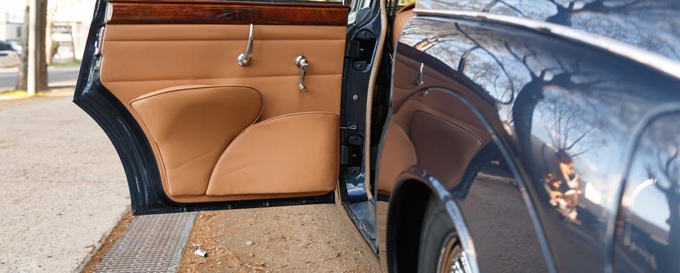 Jaguar MKII seuil de porte (1).jpg
