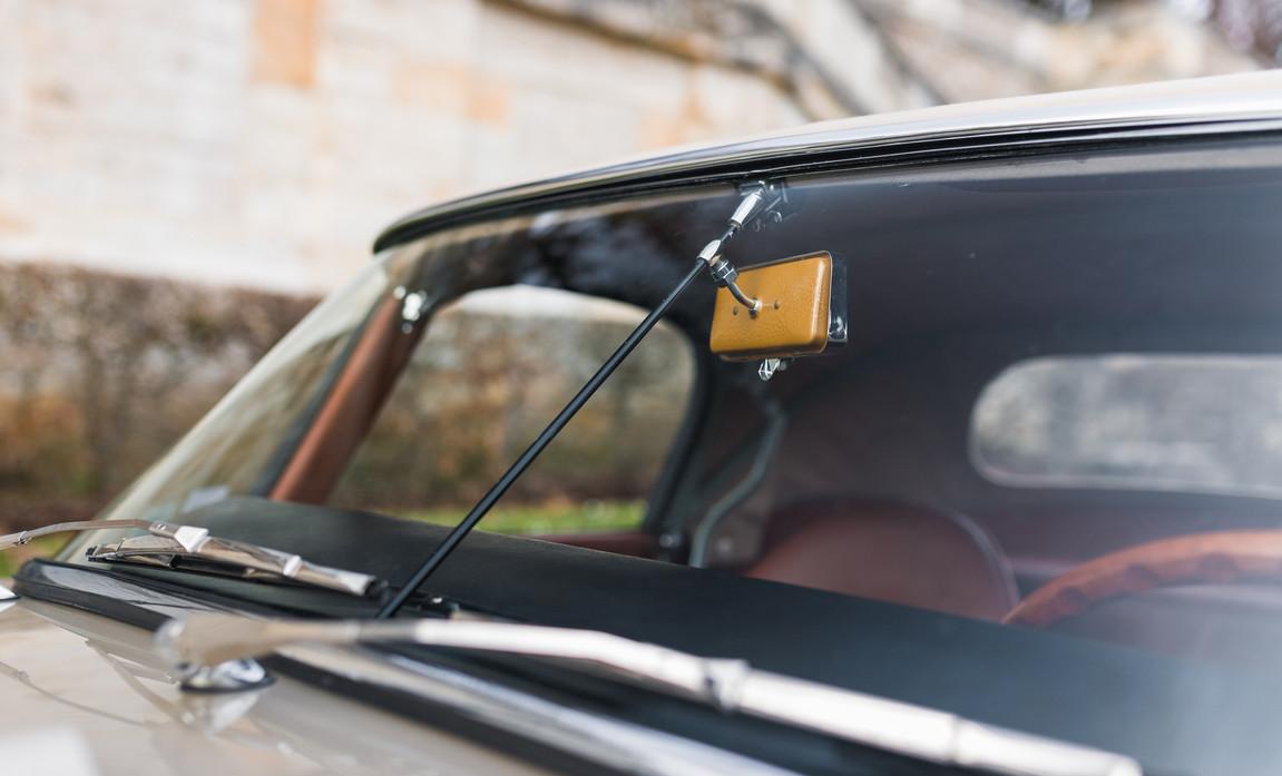 Jaguar Type-E Serie I Cabriolet (34).jpg