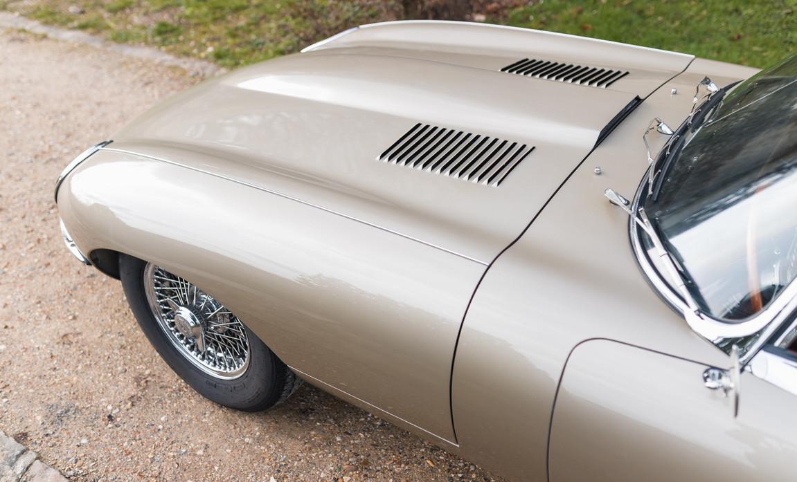 Jaguar Type-E Serie I Cabriolet (30).jpg