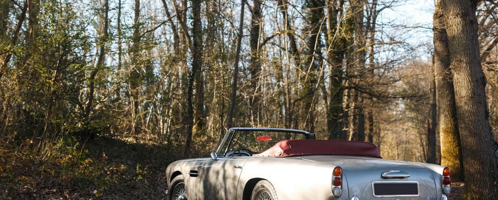 Aston Martin (63).jpg