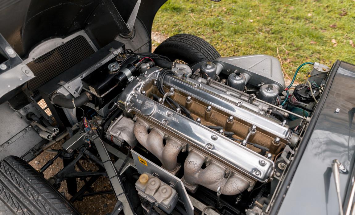 Jaguar Type E Serie I Coupe (50).jpg