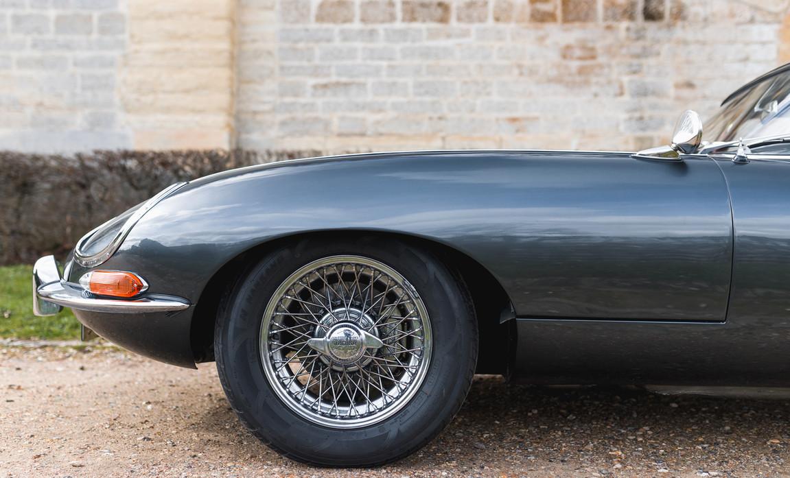 Jaguar Type E Serie I Coupe (9).jpg