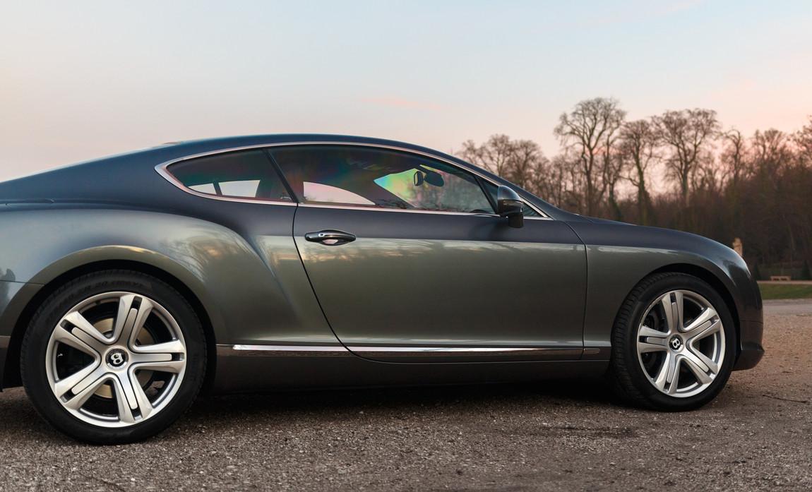 Bentley GT 6.0L W12 201111.JPG