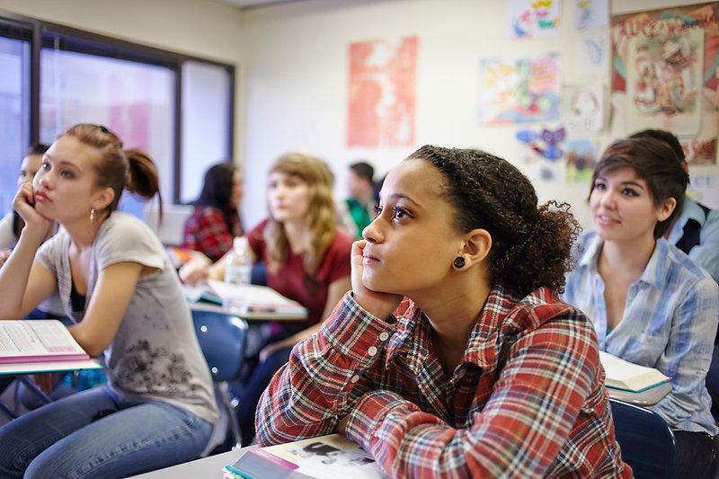 teenage-students-in-classroom--141090063