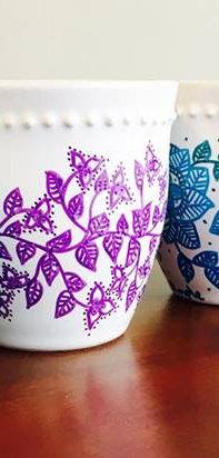 tazas flores violetas