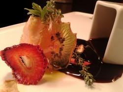 Pesce spada con frutti essiccati e aceto di Jerez.j