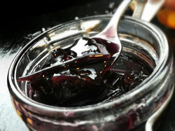 Marmellata di uva rossa agrodolce.