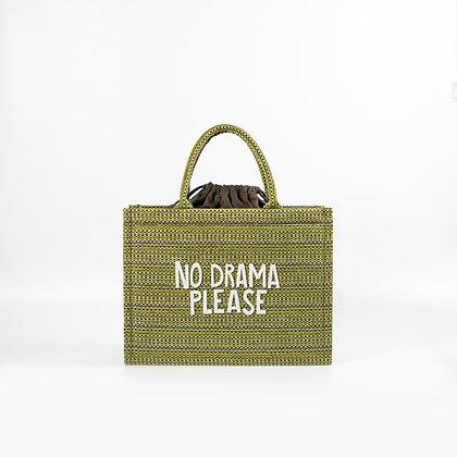 "Зеленая сумка с белыми буквами ""No Drama Please"""