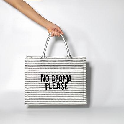 """Белая сумка в полоску с черными буквами """"No Drama Please"""""""