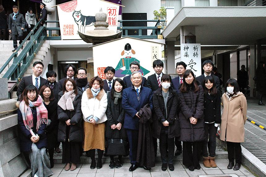 新春のお参りは、難波神社に参りました。