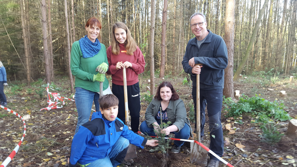 Nachhaltigkeit & Klima - Wir tun was! Baumpflanzaktion der CJD Christophorusschulen Droyßig