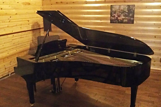 The Cabin - 1977 Grand Piano