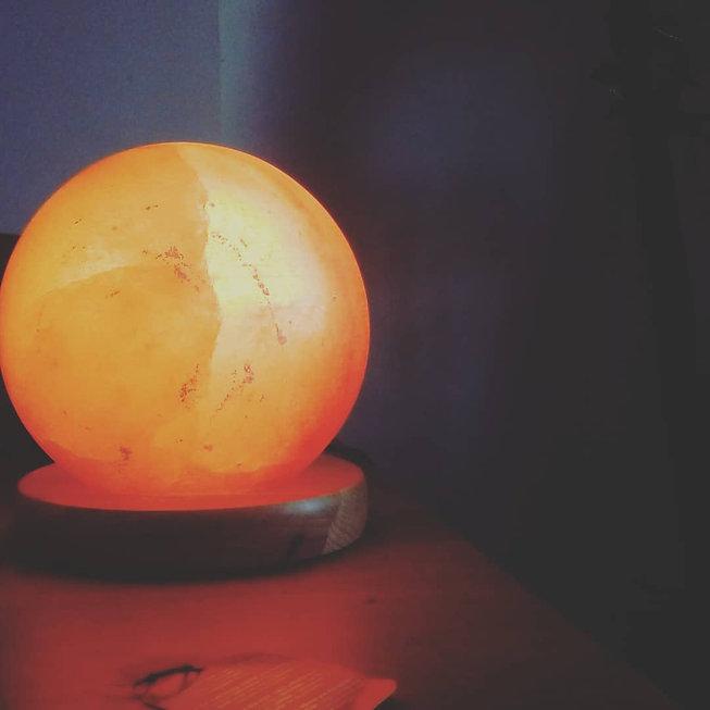 Himalayan salt lamp meditation and self discovery work and healing