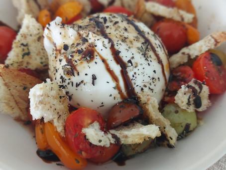 Warme tomaatjes met burrata en gekruide croutons