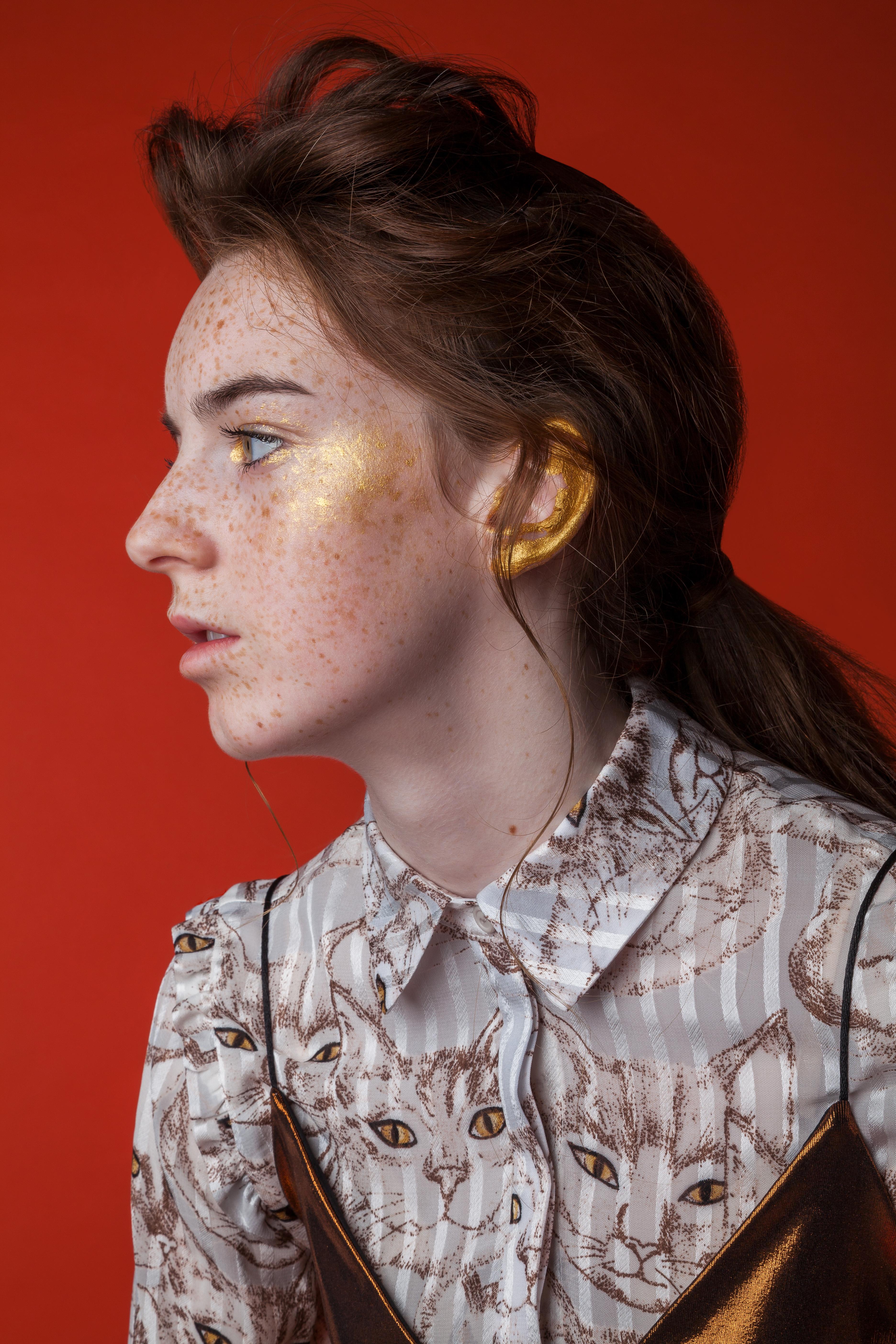 Photo Mary Savvidou. Model Bronwen.