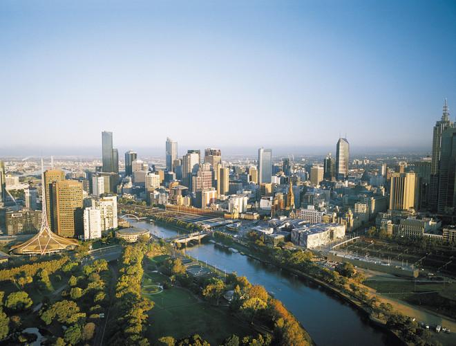 City_Skyline_Melbourne_Gardens_Day.jpg