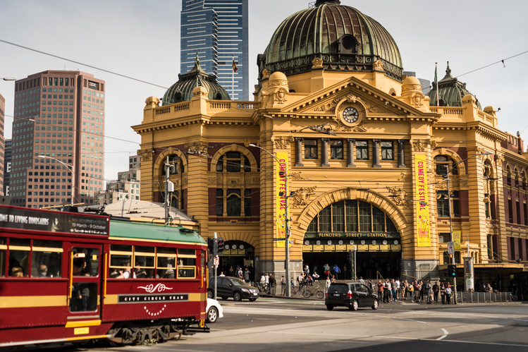 City_Skyline_Flinders_Street_Station.jpg