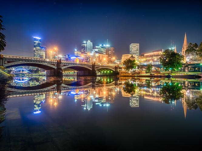 City_Skyline_Melbourne_Yarra_River_Night