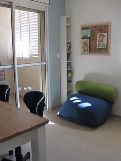 חדר משפחה פוף שולחן עבודה כתיבה