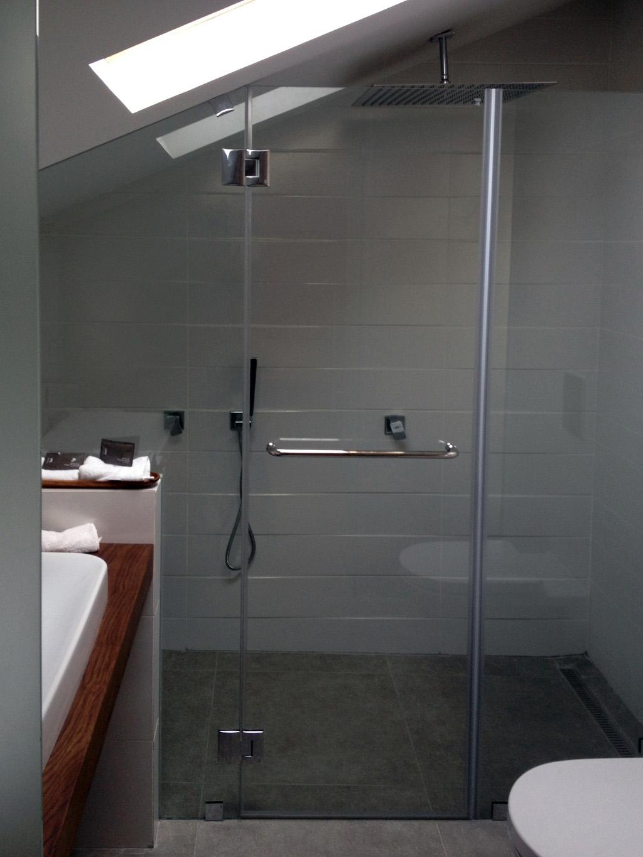 מקלחת רחצה ספא