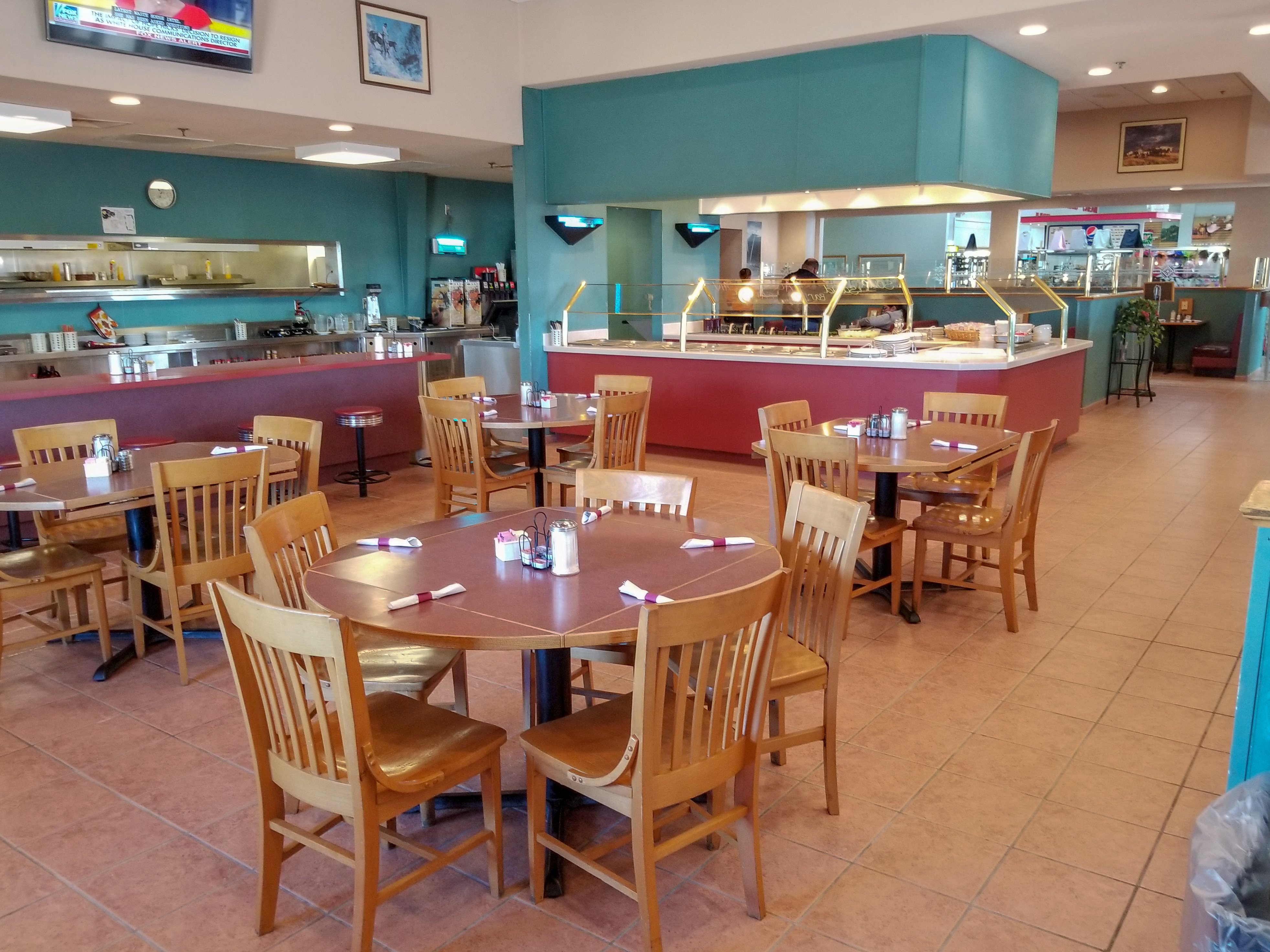 Spacious Dining at Bonnie's Kitchen