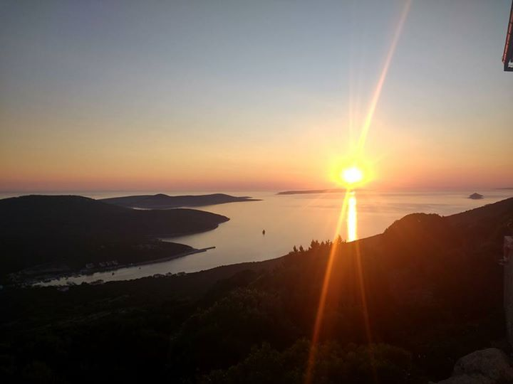 Ist zonsondergang
