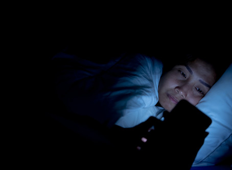 Using your phone in bed is making you sleep badly. Here's why.