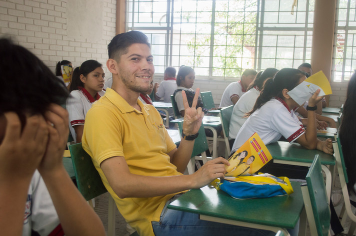 ¡Cuando Seas Grande sorprende a la Sec. #17 José L. Flores!
