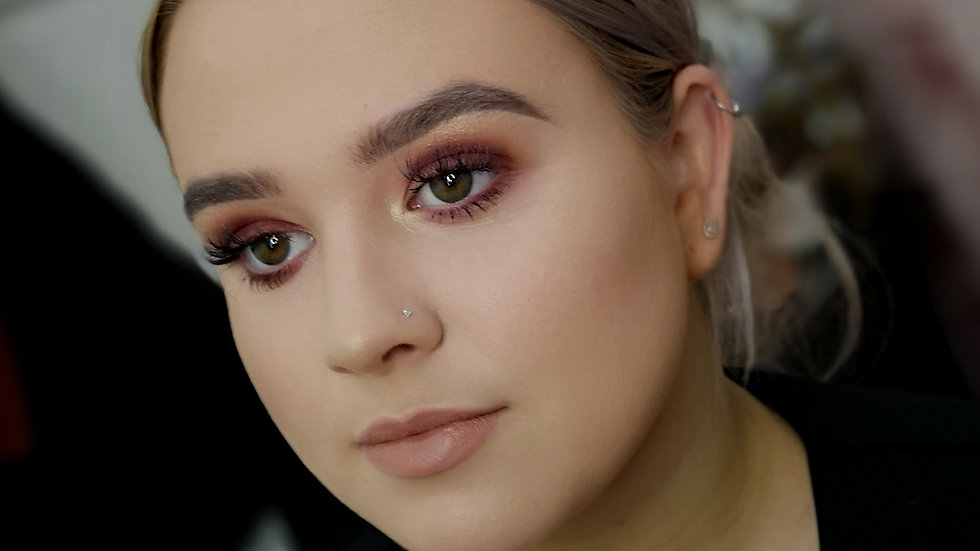 Online in depth makeup lesson
