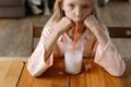 Ohrožuje pití mléka Vaše zdraví a životy?