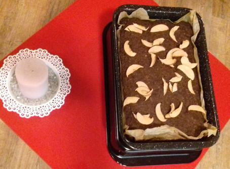 Krásně vláčný čoko-jablíčkový koláč s přípravou do 5 minut