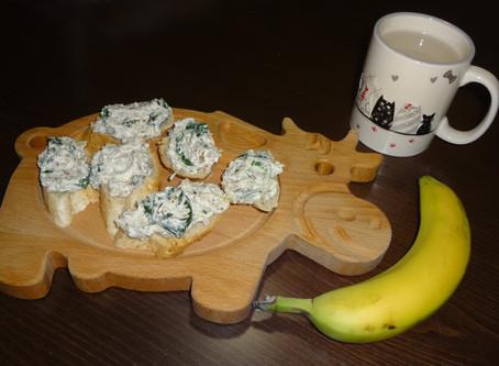 Úžasná FIT tvarohová pomazánka se špenátem a vlašskými ořechy připravená do 15 minut
