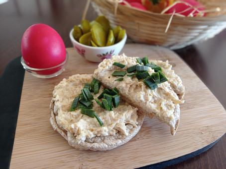 Co s nadbytkem velikonočních vajíček? Tuhle vynikající a rychlou pomazánku si zamiluje celá rodina.
