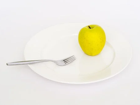 Hladověním k obezitě. 10 tipů, jak na dokonalou postavu.