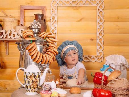 Děti tloustnou v domácí izolaci. Nudí se a stres řeší jídlem. Co s nimi?